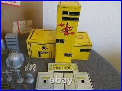 1950's MARX REX MARS SPACE DROME 7016 TIN LITHO PLAY SET MONTGOMERY WARD USA