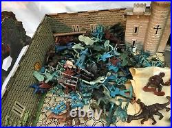 1950s MARX FIGHTING KNIGHTS CASTLE PLAYSET IN TIN Box LOOK EXTRAS