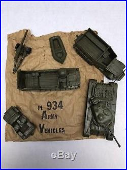 1958 Marx Armed Forces Training Center Play Set. Unplayed w Contents. 54mm Sailors