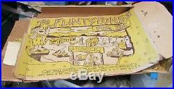 1961 MARX FLINTSTONE SET! WithBOX! PLAY SET! FRED! WILMA! DINO! BARNEY! BETTY