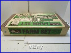 MARX HAPPI TIME PLATFORM FARM SET SERIES 2000 No. 3951 WithBOX