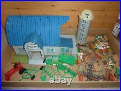 MARX Pedigree Farms Dairy farm playset made in USA early 1960's rare set