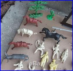 MARX ROY ROGERS RANCH #3979-3980 Original box- Animals Cowboys Furniture 42 pcs
