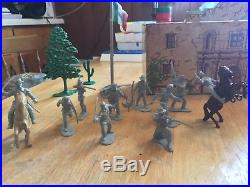 Marx 1960 Davy Crocket (John Wayne) Play set #3543