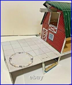 Marx 1960s Modern Farm Happi-Time Platform Barn Ramp Silo Animals Tractors