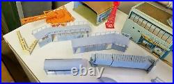 Marx Astro Jet Airport Play Set Tin Plastic American Airlines Airplanes No Box