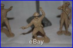 Marx Battleground Europe British flag & pole & 3 British Infantry figures