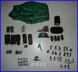 Marx Miniature INVASION BATTLE GROUND IWO JIMA Play Set IN Box lot 5