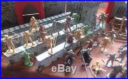 Marx Robin Hood Castle Play Set 54 mm Silver & Cream Character Figures 2 Sets