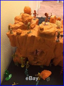 Marx Vintage 7th Cavalry With Huge Apache Mountain Western Playset