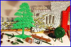 Marx Vintage Robin Hood Castle 60 mm Play Set