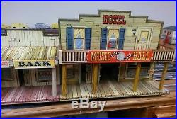 Marx Western Town Hotel Side Silver City Roy Rogers Dodge Wagon Train tin litho