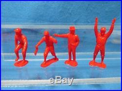 Marx vintage mint set of 32 Football figures in bag, red 54mm