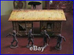 RARE VINTAGE MARX TIN LITHO JUNGLE TRADING POST With4 ORIGINAL FIGURES EXCELLENT