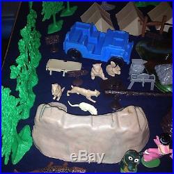 Rare 1962 Marx Yogi Bear Jellystone Park Play Set