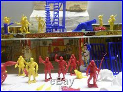 Rare Vintage 1960s Marx Ideal Royal Canadian Mountie Headquarter Play Set Tin LI