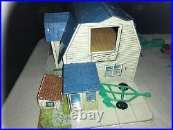 Rare Vintage Marx Toys Pedigree Farm Tin Litho Barn Silo Chicken Coop Happi Time