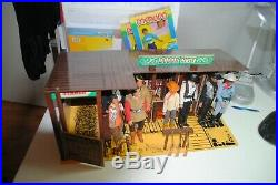The Lone Ranger Rides Again Dodge City Playset -complete With 8 Figures