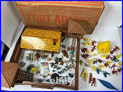 VINTAGE 1950s MARX HAPPY TIME FORT APACHE COWBOY INDIANS PLAY SET
