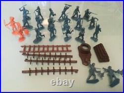 VTG Fort Apache Western Play Set Louis Marx #4501 Rare