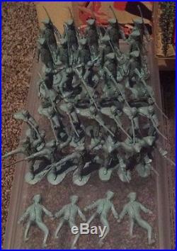 VTG MARX JOHNNY TREMAIN SER 1000 REVOLUTIONARY WAR PLAYSET TIN LITHO +ORIG BOX