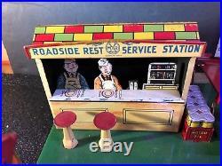 Vintage 1930-40 Marx Roadside Rest Service Station