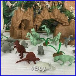 Vintage 1971 Marx Prehistoric Dinosaurs Play Set #3398 42 Pieces Total