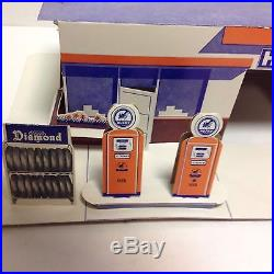 Vintage Husky gas and oil Marx service/ gas station giveaway play set RARE