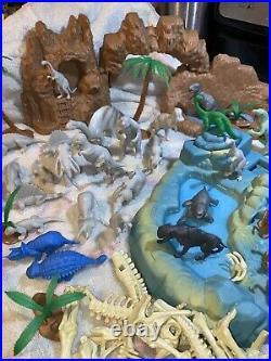 Vintage MARX PREHISTORIC TIMES SET DINOSAURS 3394 Bones Caves Rocks Over 100 Pcs