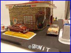 Vintage MARX Pressed-Metal Lithograph Gas/Service Station withDetailed Accessories