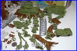 Vintage Marx WW2 Battleground Army Men SOLDIERS Tank US Germany 4204 with Package