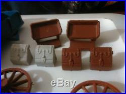 Vintage Marx Wagon Train Series 5000 #4888/Fort Apache a big lots of wagon parts