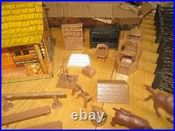 Vintage Marx Western Ranch set wt tin litho Bar M house figures accessories