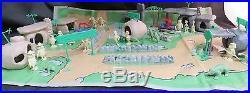 Vintage The Flintstones Play Set #4672 Louis Marx & Co, Hanna-Barbera Production