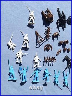 Vintage rare Marx Toys Civil War Blue & Gray storage box playset with mat