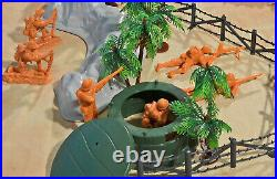 WWII Pacific Campaign Playset #1 Beach Landing 54mm Plastic Toy Soldiers